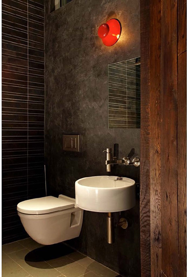For-More-Space-Use-Wall-Mounted-Toilet-4